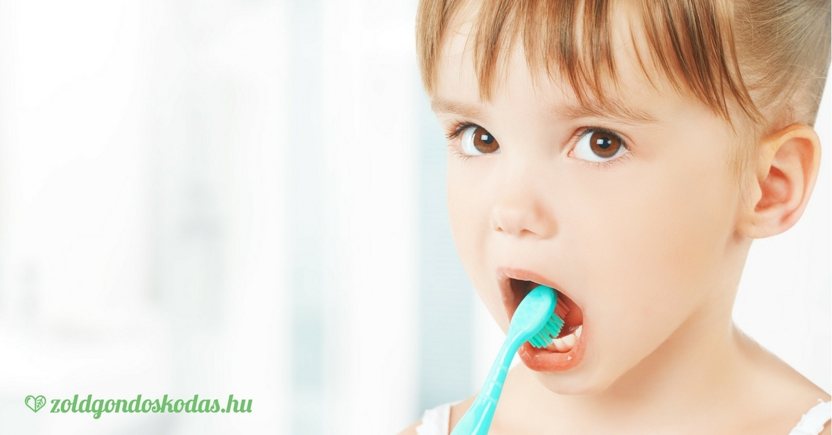Bio és fluoridmentes első fogkrém a babának és gyerekeknek